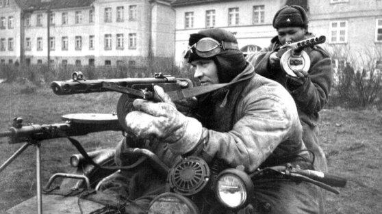 Зачем сильнейшие армии Второй мировой вооружались не самыми лучшими автоматами