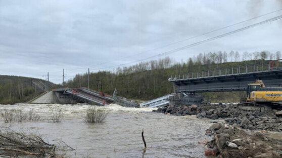В Мурманской области рухнул железнодорожный мост