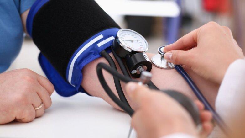 Артериальное кровяное давление тонометр