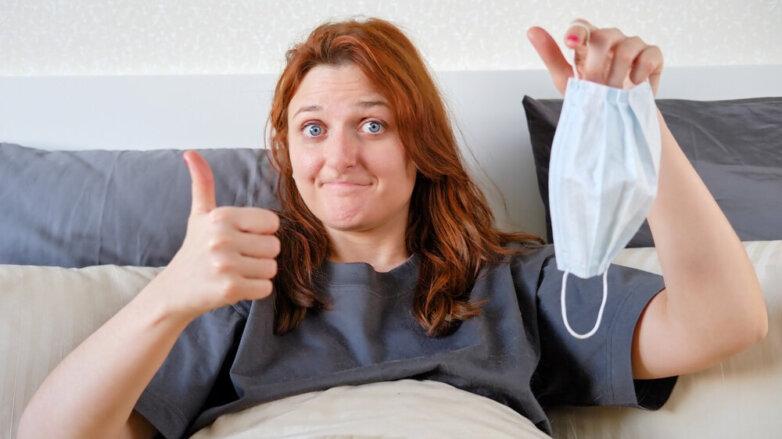коронавирус женщина выздоровление антитела маска