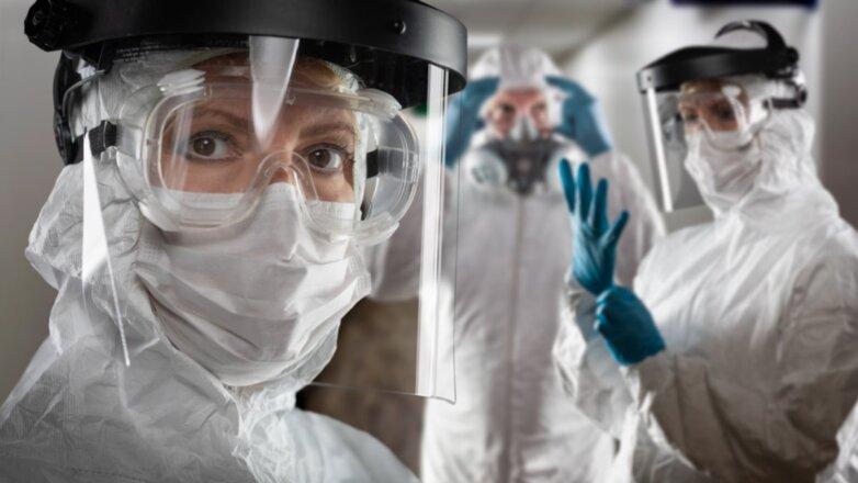 Коронавирус врачи защитный костюм защита