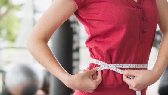 Диетолог рассказала, какой «вредный» продукт может помочь похудеть