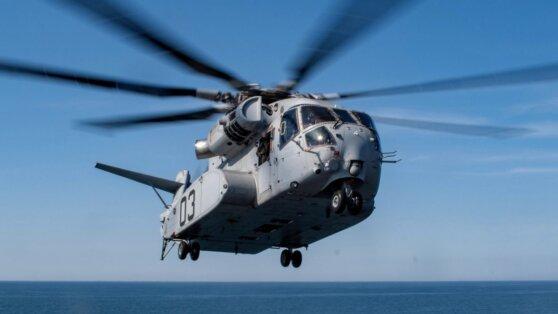 Самый большой американский военный вертолет прошел испытания в море