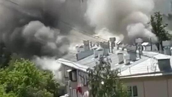 Четыре квартиры загорелись после взрыва газа на севере Москвы