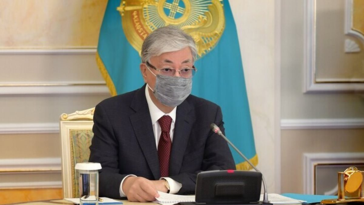 Президент Казахстана Касым-Жомарт Токаев в маске
