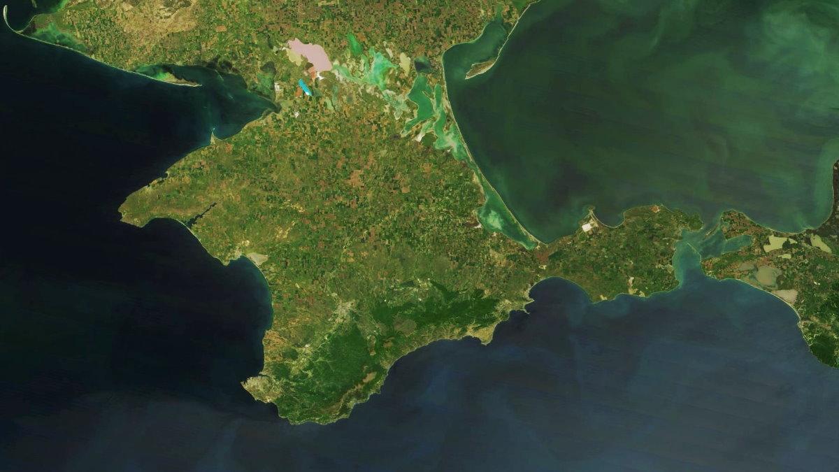 Полуостров Крым со спутника