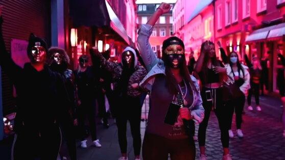 В Германии проститутки вышли на улицу с требованием открыть бордели