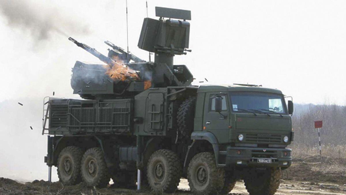 Зенитный ракетно-пушечный комплекс - ЗРПК Панцирь-С1 стреляет