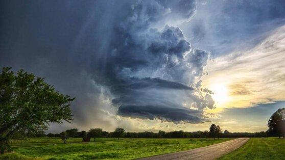 Россиян предупредили о приближении крайне опасной погоды