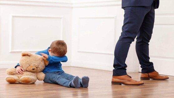 В России предложили ограничить право органов опеки изымать детей из семьи
