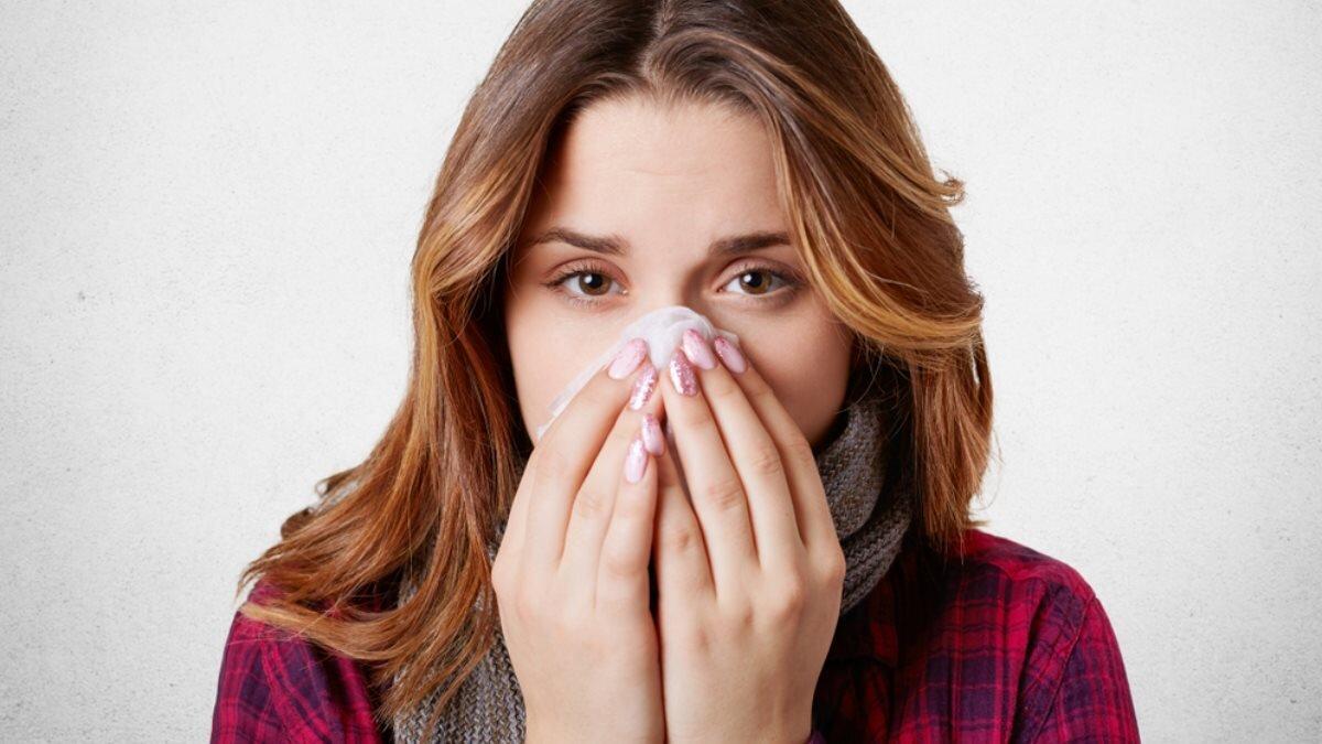 Насморк простуда ГРИПП болезнь девушка