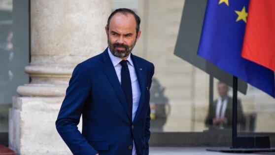 Во Франции премьер-министр ушел в отставку