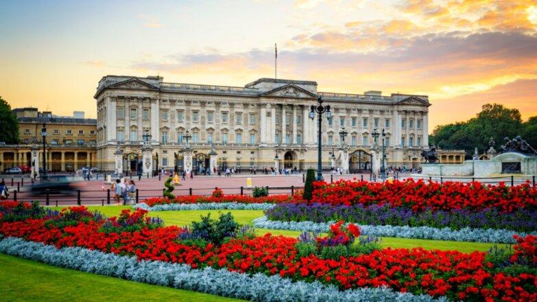 Букингемский дворец в Лондоне Великобритания три