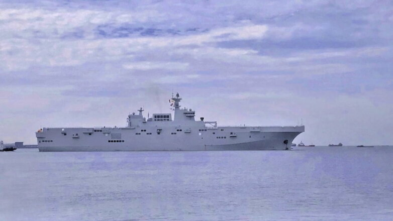 Китайский Головной универсальный десантный корабль проекта 075