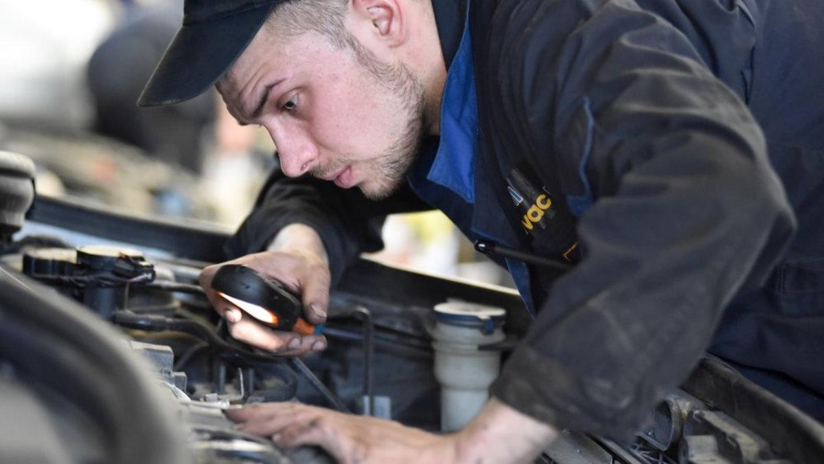 Техосмотр ремонт машины автомастерская автосервис диагностика двигатель один