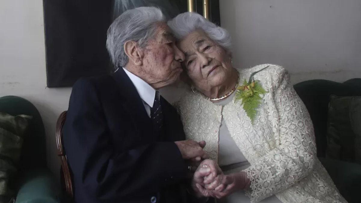 самая старая супружеская пара Хулио Мора Тапиа и Вальдрамина Кинтерос