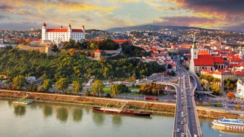 Словакия выслала 3-х русских дипломатов. Москва пообещала ответить зеркально
