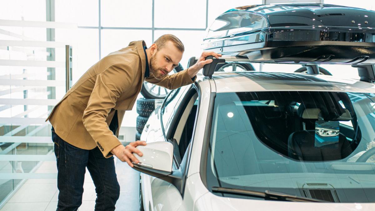Покупка машины автомобиля выбор Автосалон дилерский центр