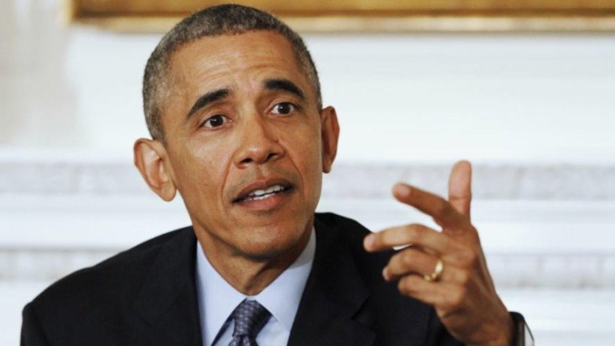 Барак Обама жестикулирует