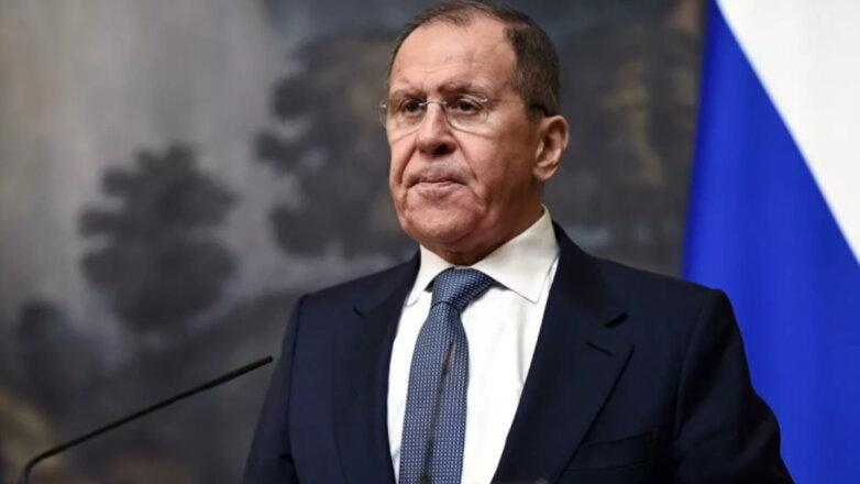 Министр иностранных дел Сергей Лавров серьёзный