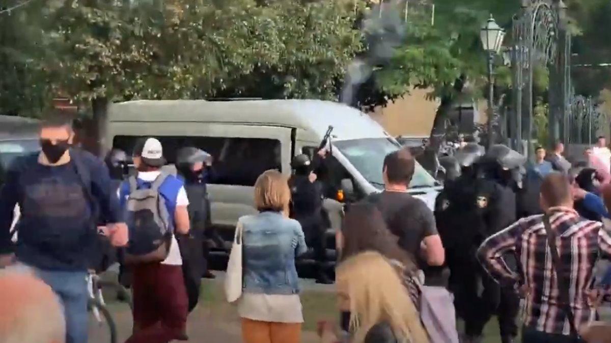 В Бресте милиция произвела предупредительный выстрел в воздух