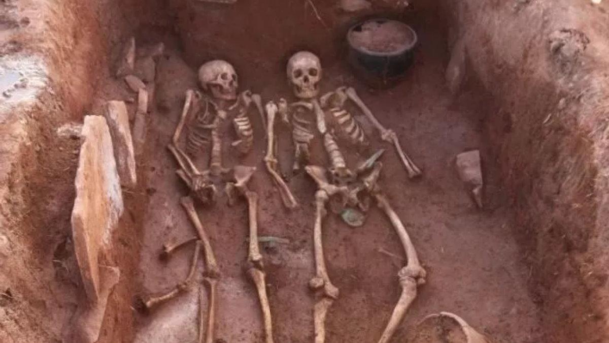 В Сибири найдена необычная могила семьи