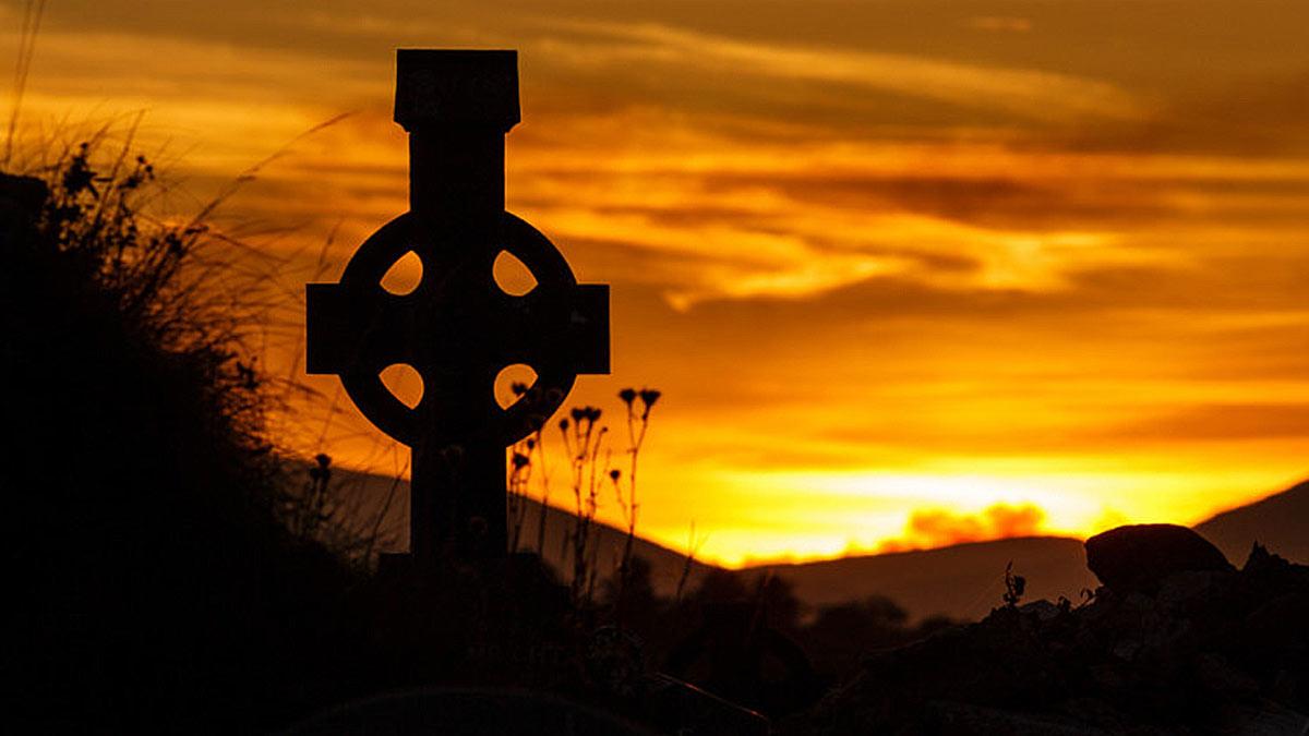 кельтский крест закат
