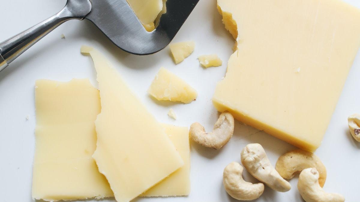 Орехи и сыр
