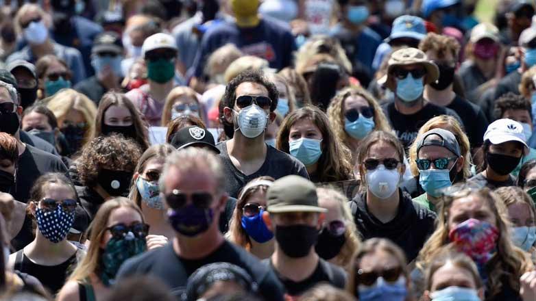 Толпа люди маски