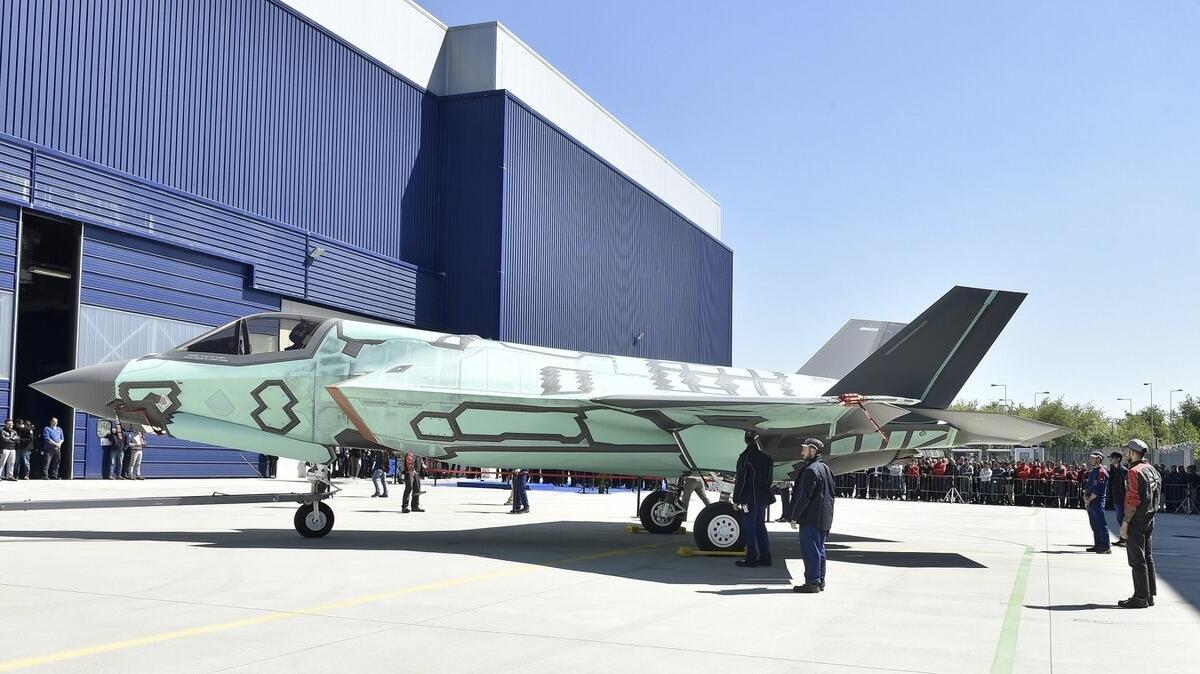Первый F-35B, построенный в Камери, Италия