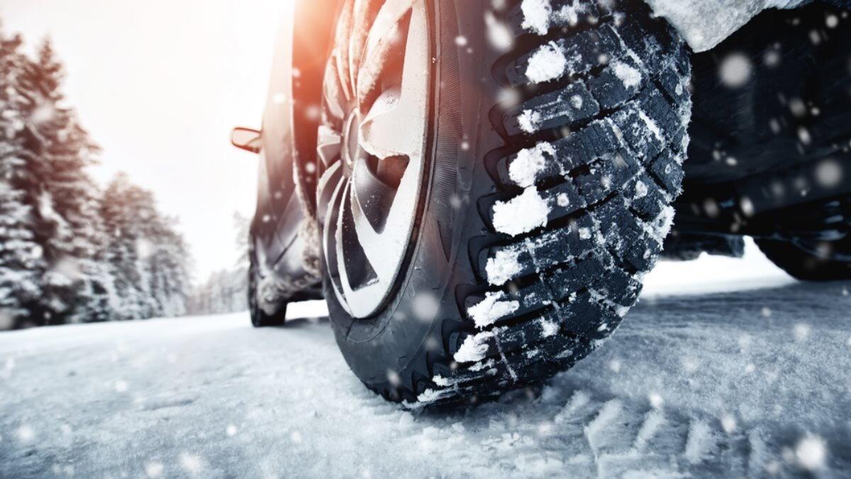 Машина автомобиль зимняя дорога резина шины зимние