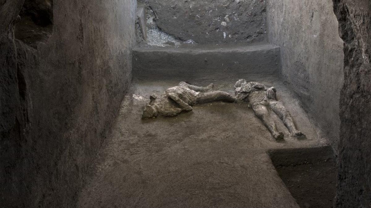 руины Помпеи тела богача и раба