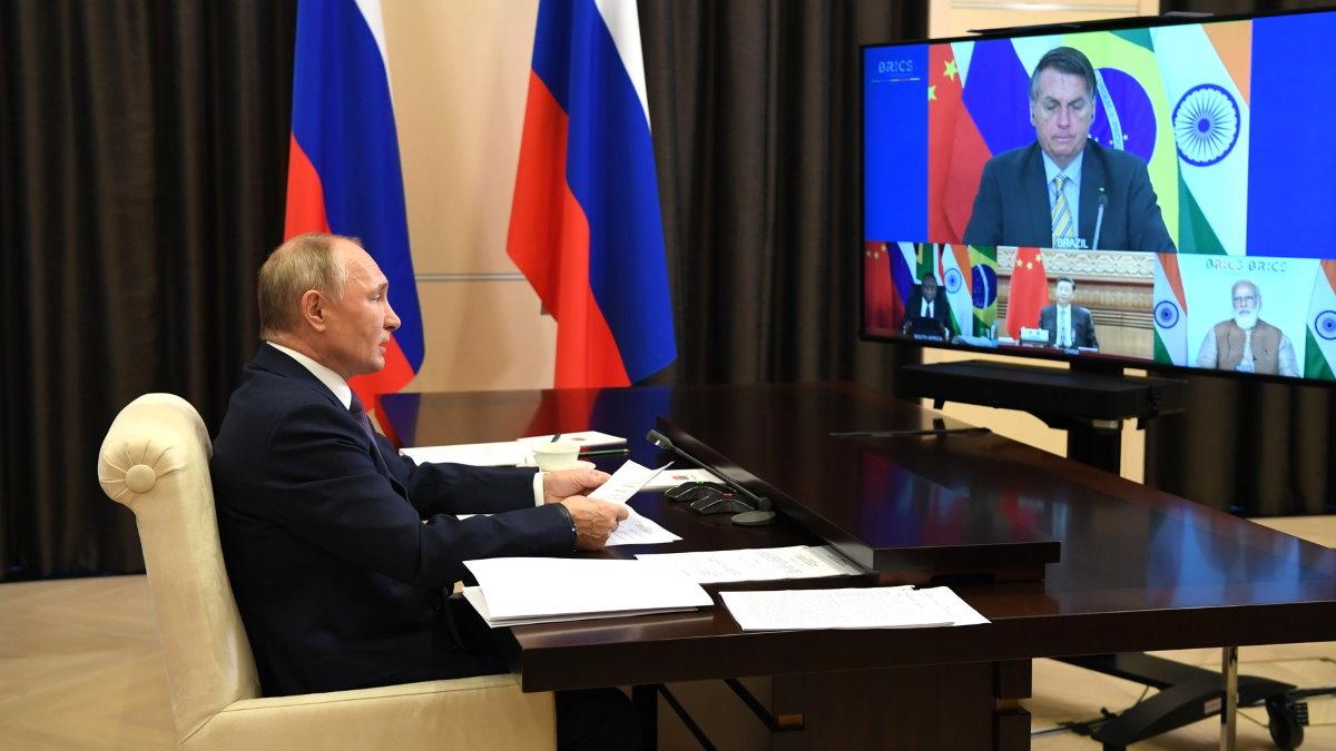 Владимир Путин и саммит БРИКС в режиме видеоконференции