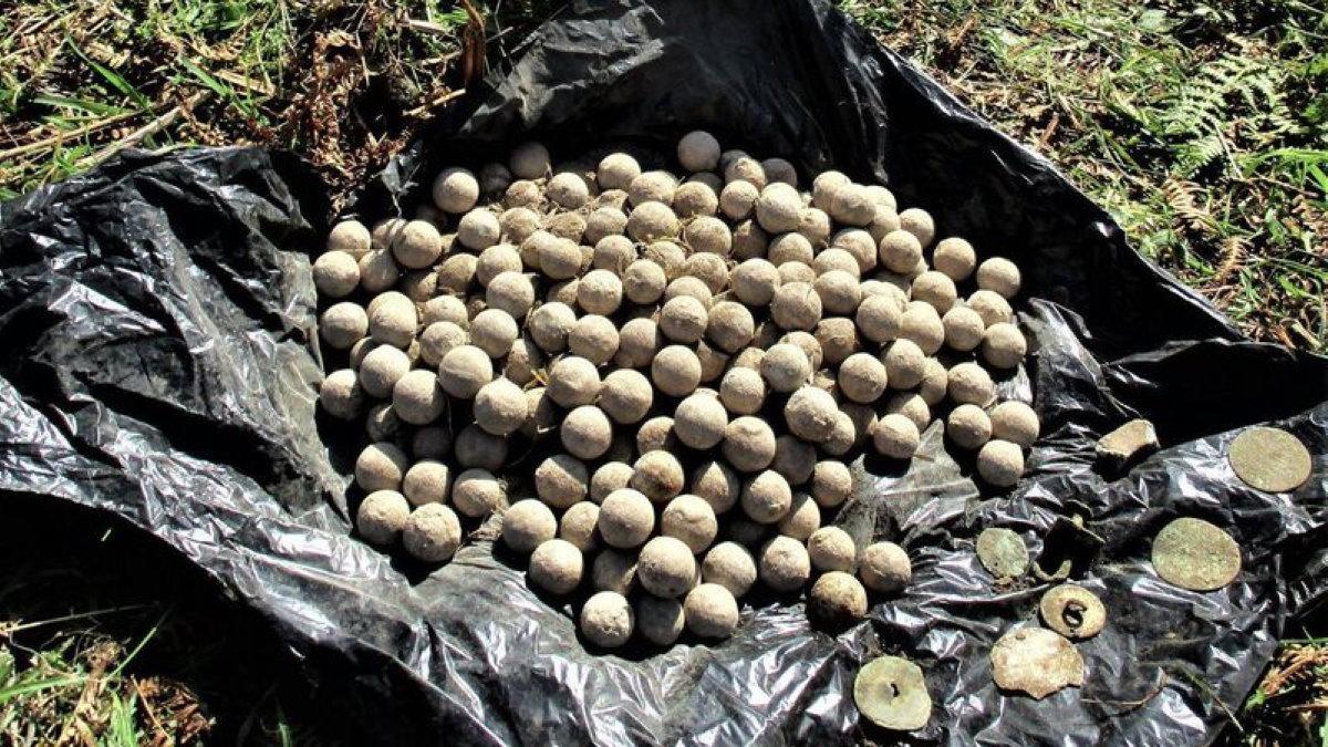 клад мушкетных шаров отправленные из Франции в Шотландию археология