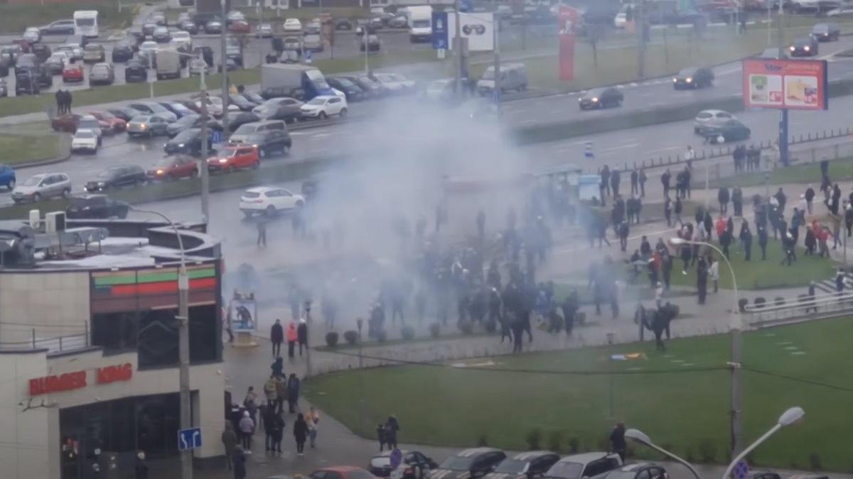 При разгоне протестующих в Минске применили спецсредства