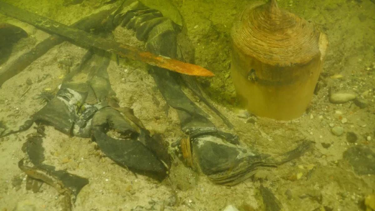 Средневековый солдат на дне литовского озера археология