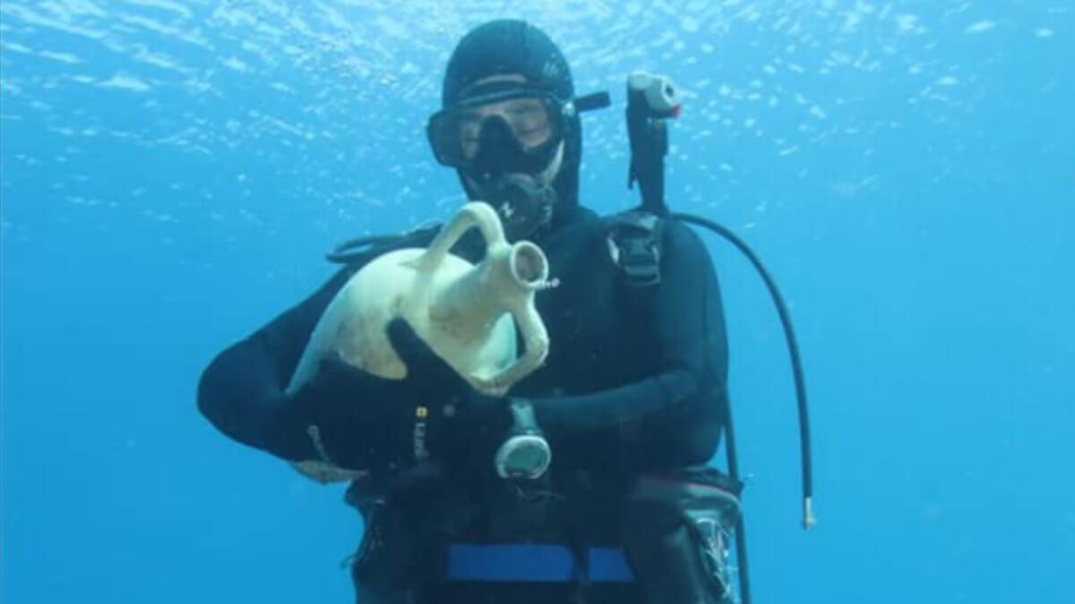 амфора под водой аквалангист археология