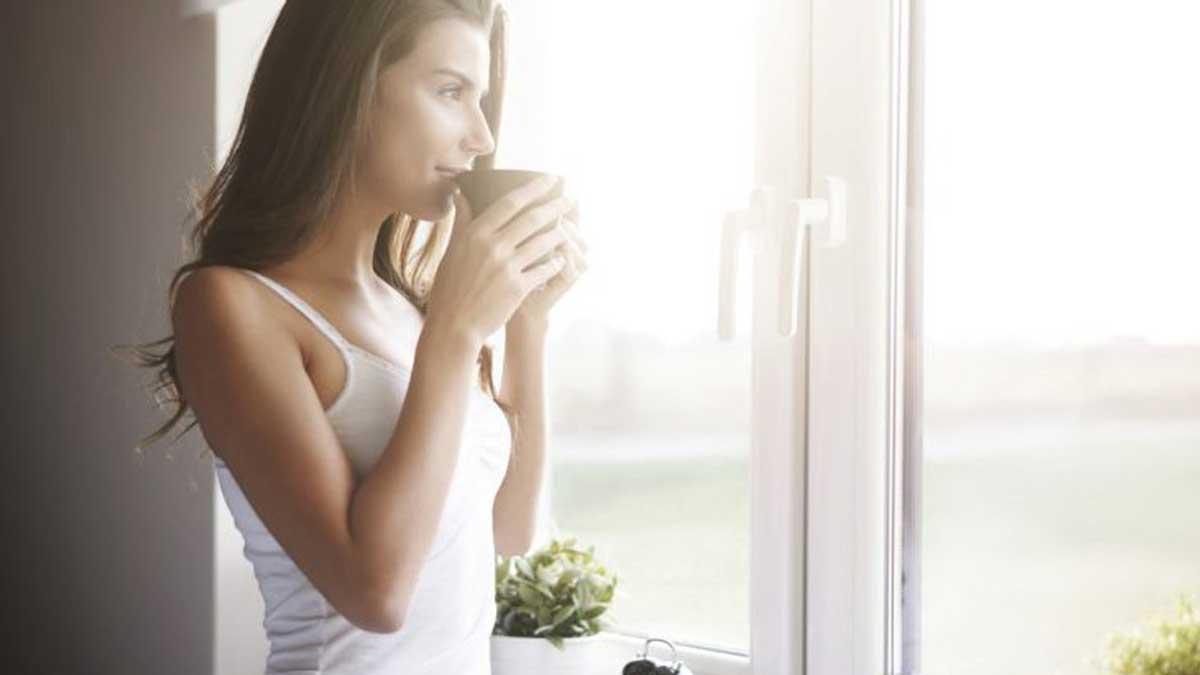девушка утро кофе