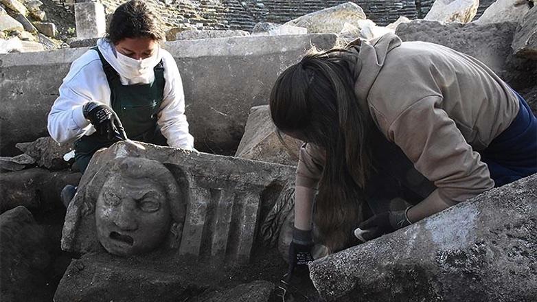 греческие маски раскопки в Турции