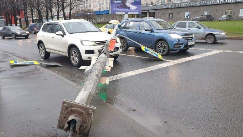 последствия ветра в Санкт-Петербурге