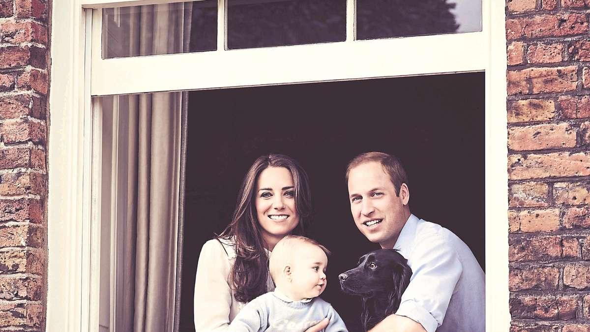 Кейт Миддлтон с семьей и собакой