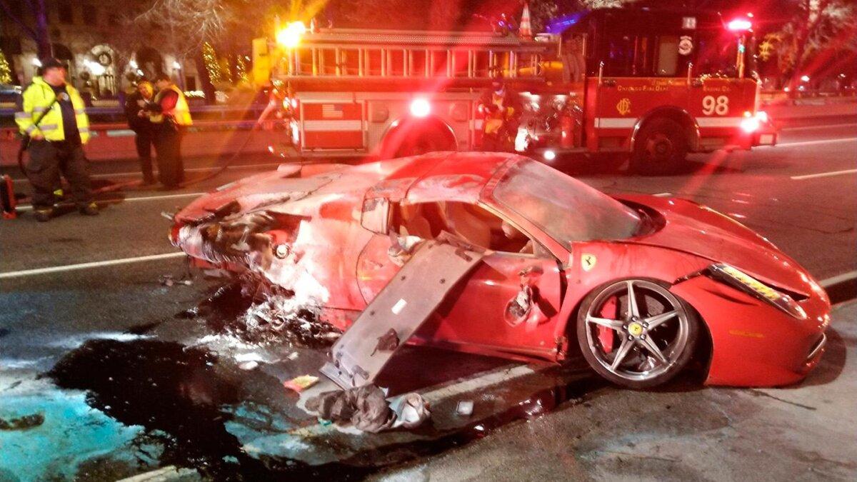 сгоревший Ferrari в Чикаго