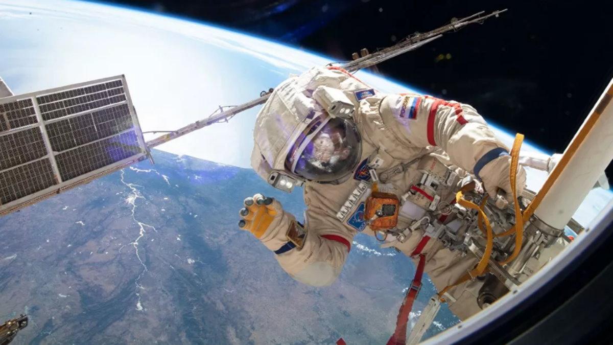 МКС космос российский космонавт Земля