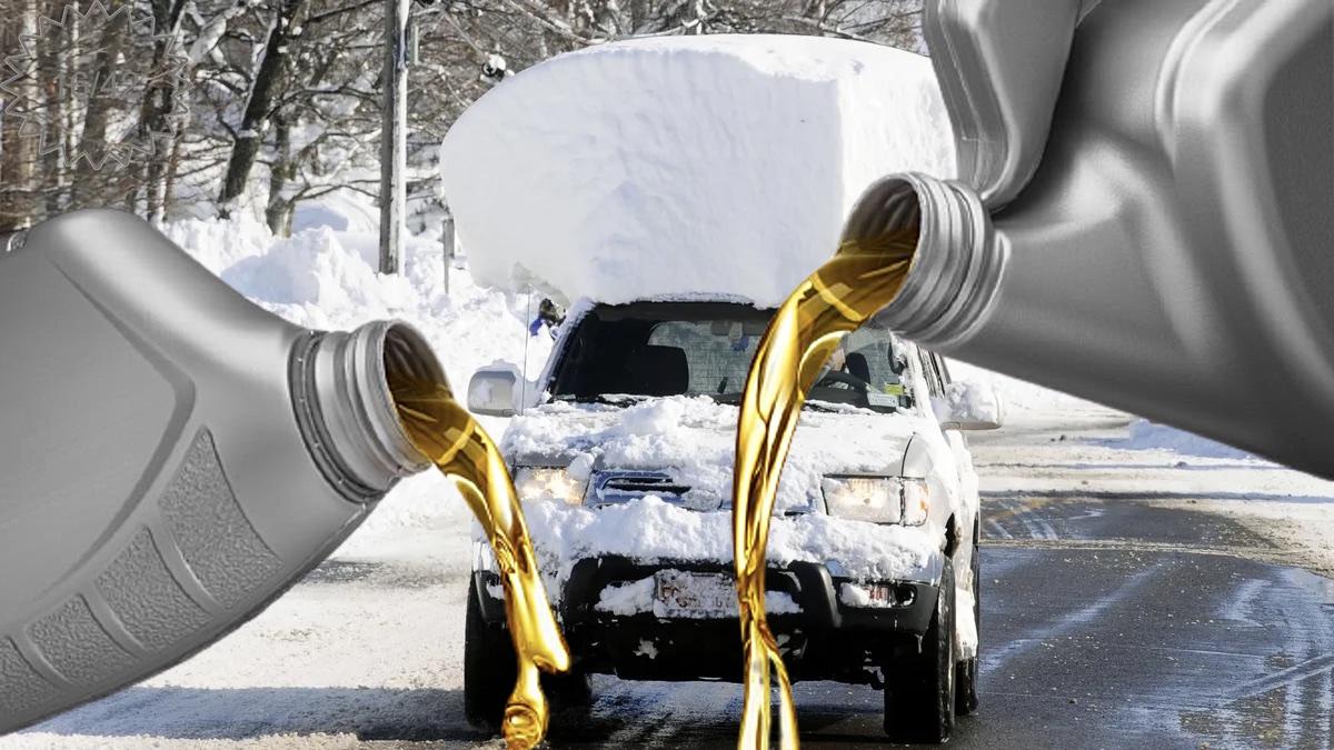 моторное масло и сугроб на крыше автомобиля