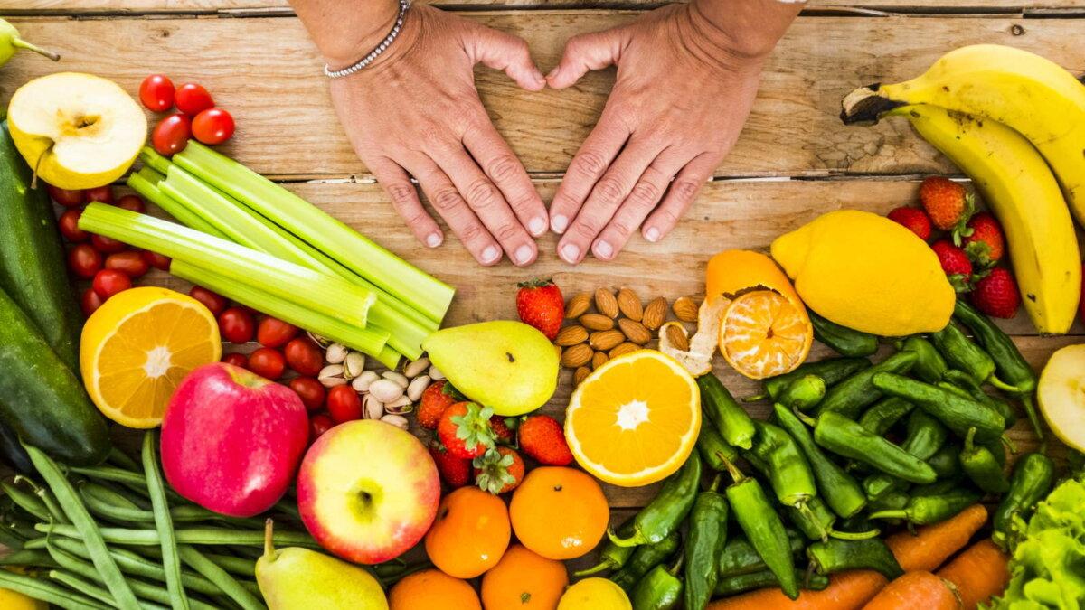 Витамины овощи фрукты растительная пища здоровое питание
