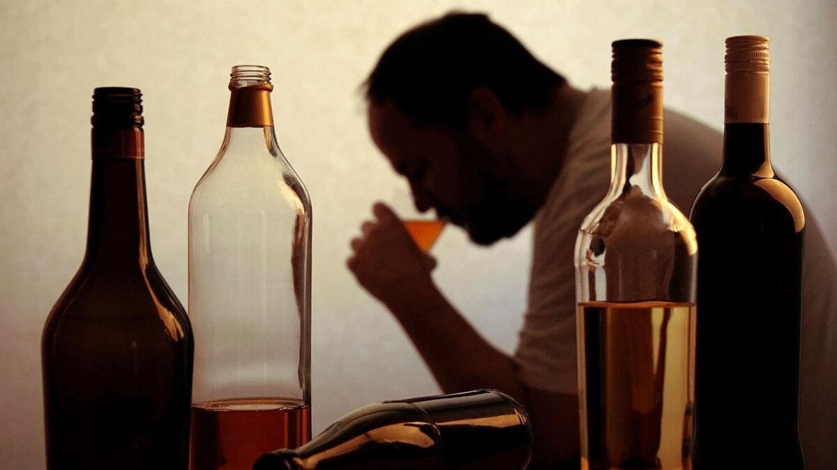 алкоголизм алкоголь мужчина выпивка