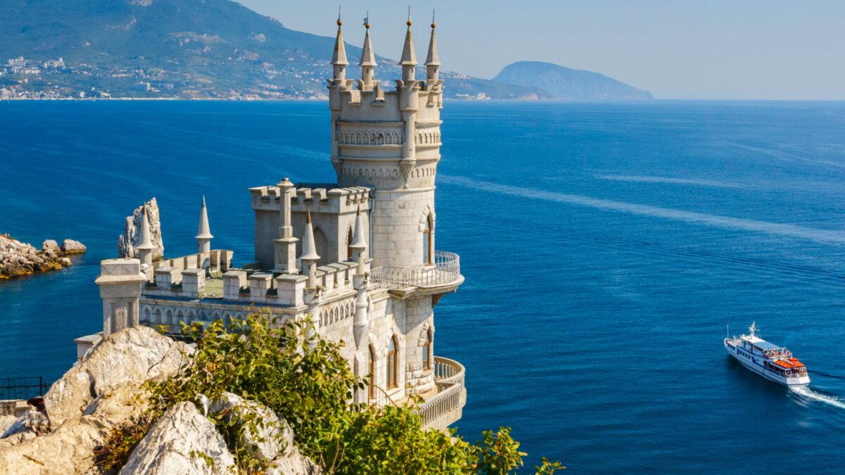 Замок Ласточкино гнездо Крым Ялта туризм