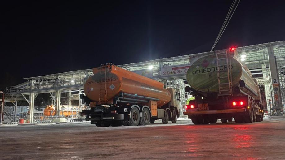 бензовозы Хабаровск ночь