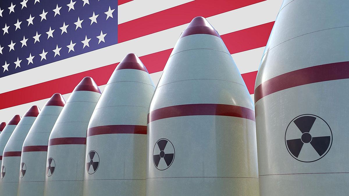 флаг сша и ядерные боеголовки