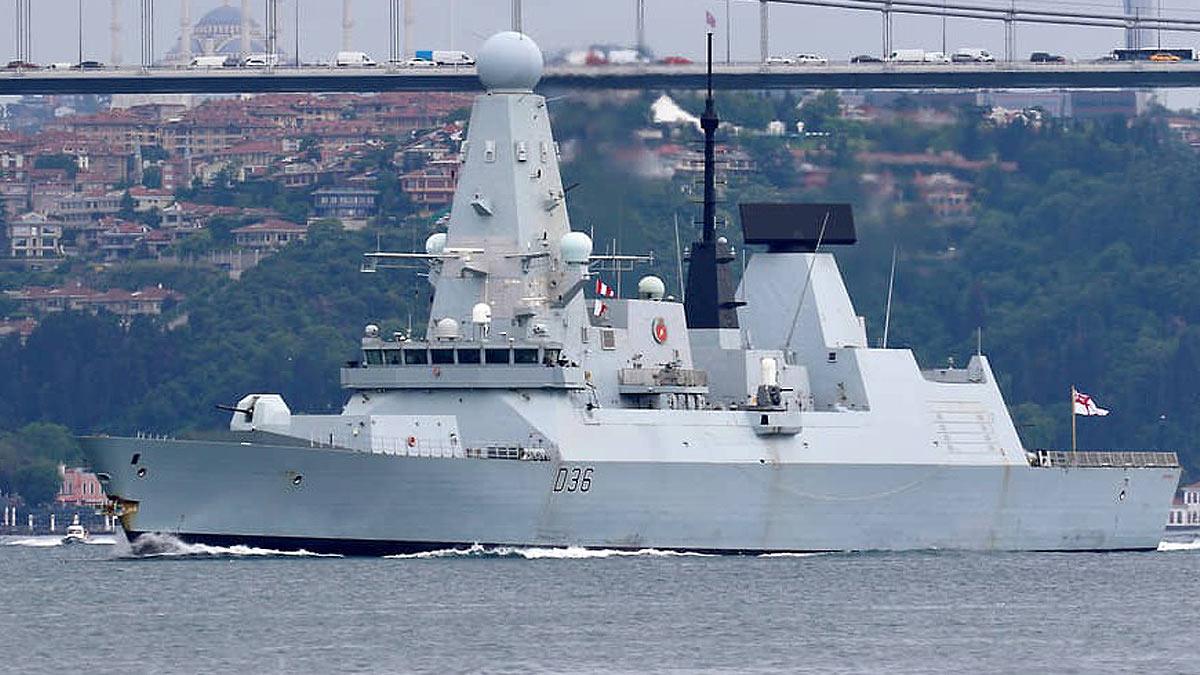 британский эсминец Дефендер